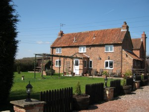 Brecks Cottage bed and breakfast accommodation near Newark and Retford in Nottinghamshire